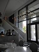 伶渝婉筠生日慶@ BELLAVITA:室內景觀-二樓好像還沒有開放