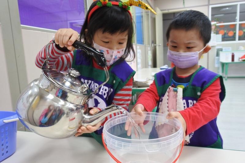 2020 幼兒部歡樂聖誕節:1224聖誕活動_201224_11.jpg