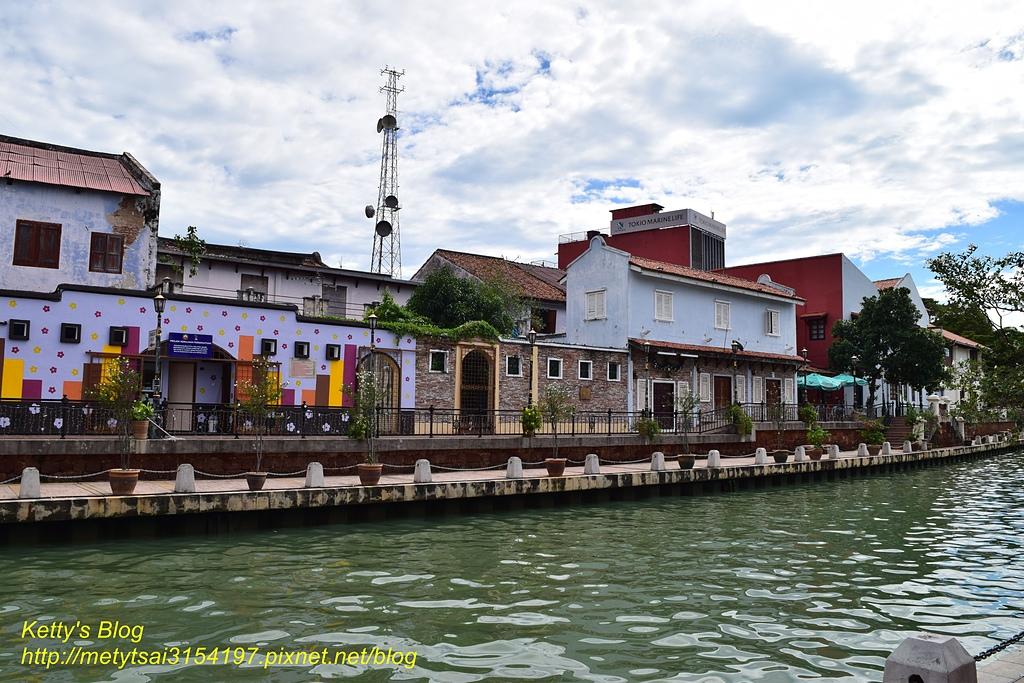 Melaka River:300.jpg