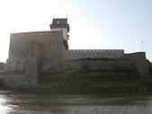 俄國古城堡:從Ivangorod遠望纳爾瓦
