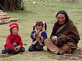 西藏風采人文:藏族一家