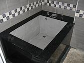 溫泉缸:居家溫泉浴缸