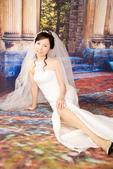小汞&小夢婚紗照:棚內的第一套--白紗(小夢獨照一)