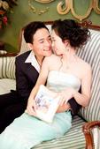 小汞&小夢婚紗照:棚內第二套--蘋果綠晚禮服(合照五)