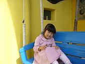 我們在墾丁。天氣晴^^:Genii坐搖椅鞦韆