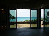 我們在墾丁。天氣晴^^:從砂館內看海