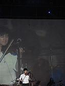 王力宏演唱會:琴聲拉奏