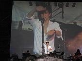 王力宏演唱會:在遮掩光線?