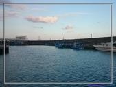 [台東東河] 金樽漁港:對面的框架是衝浪賽舞台