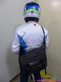 [開箱] 307P PX-7 Sport防水郵差斜肩包(12L):014.JPG