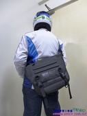 [開箱] 307P PX-7 Sport防水郵差斜肩包(12L):013.JPG