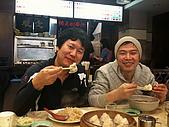 牛鈴之聲:《牛鈴之聲》導演李忠烈吃水餃不忘佐以台灣啤酒.jpg
