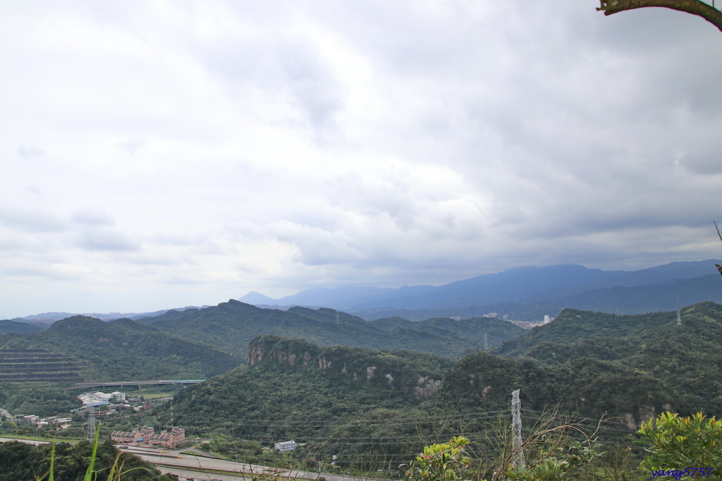 1IMG_0078.JPG - 826仙洞湖山