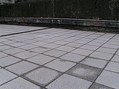 地磚:磨石隔熱磚
